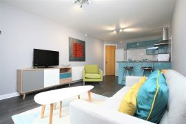 Modern & Stylish 2 Bed with parking, Duke St