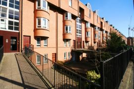 1 Bed Part Furnished Main Door  Flat, St Vincent Street Available 31/7/2020